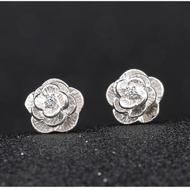 Korean Fashion Earrings Small Daisy Flowers Senior Flower earrings Female Jewelry Wholesale