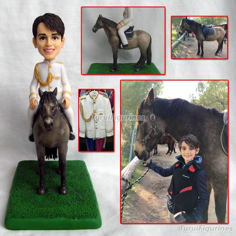 OOAK polymère argile poupée communion garçon équitation cheval mini statue figurines cadeaux d'anniversaire pour enfant graduation personnalisé bobblehead
