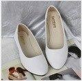 2017 моды острым носом одинокие женщины плоские туфли легкие конфеты цветов для женской обуви больших ярдов для женской обуви 43 20 Цветов