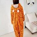 2016 Mulheres Flanela Onesie Para Adulto Cut Animal Pijamas Onesies Tigger Inverno Com Capuz Animal Terno Sono Pijama Para As Mulheres Por Atacado