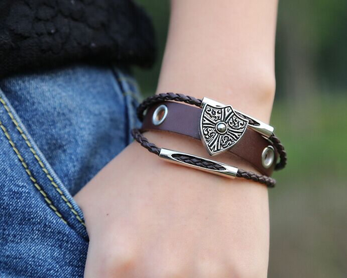 2015 new autumn collection shield charm bracelet fashion handmade real cow leather student boy jewelry dropshipping B01319