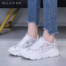 ALL YIXIE2019 Spring and Summer New Breathable Fashion Sports Shoes Comfortable Casual Crystal Flower Flat Shoes Women цена 2017