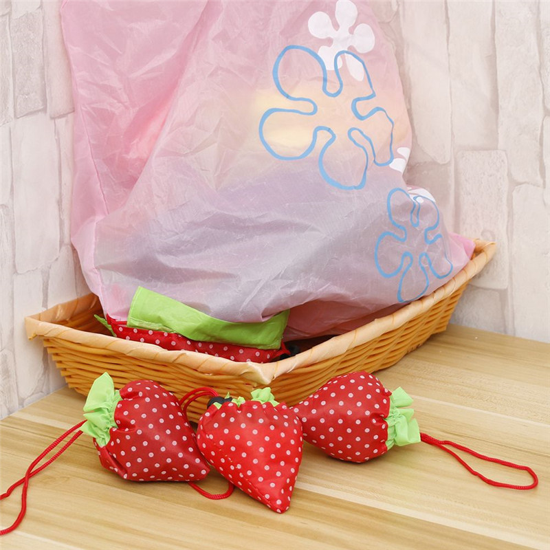 1Pcs Fashion Strawberry Foldable Shopping Bags Eco Friendly Reusable Nylon Tote Handbag Free Shipping