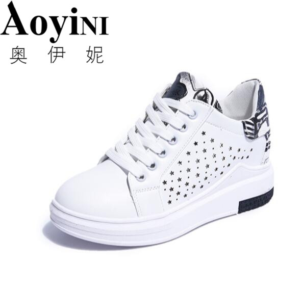 Chaussures à bout rond blanches Casual PHNeV