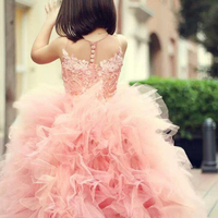 Adorable Sweet Girl Pageant Dress Lace Appliques Ruffled Zipper Up Peach Organza Tulle Ball Gown Wedding Child Dress Sheer Neck