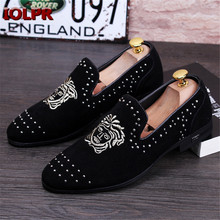 2016 New Europe America Style Fashion Black Men Nightclub Rivets Embroidery Pointed Toe Men's Flat shoes Loafers Casual Shoes