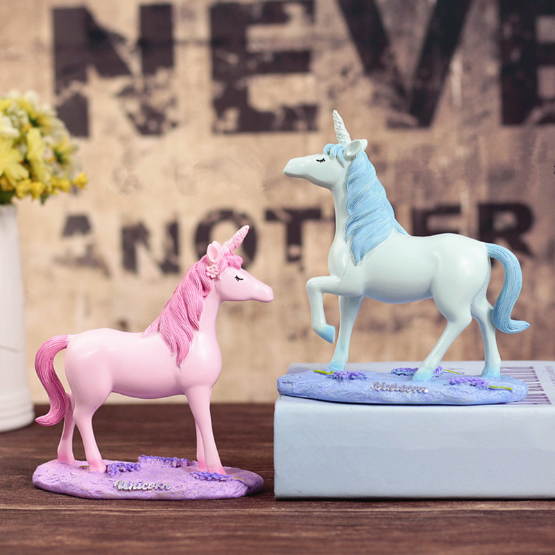 2018 Super Valentines Day Theme Lovely Resin Unicorn Ornaments Art Decoration Crafts Women Kids Room Decor Wedding Gifts
