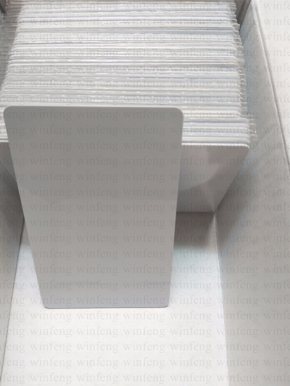 CR80 Standard Size EPC gen2 Long Range Passive Blank White PVC RFID Card UHF RFID Tag with Alien Higgs3 Chip 500pcs rfid one off coated paper wristbands tag epc gen2 support alien h3 chip used for personnal management
