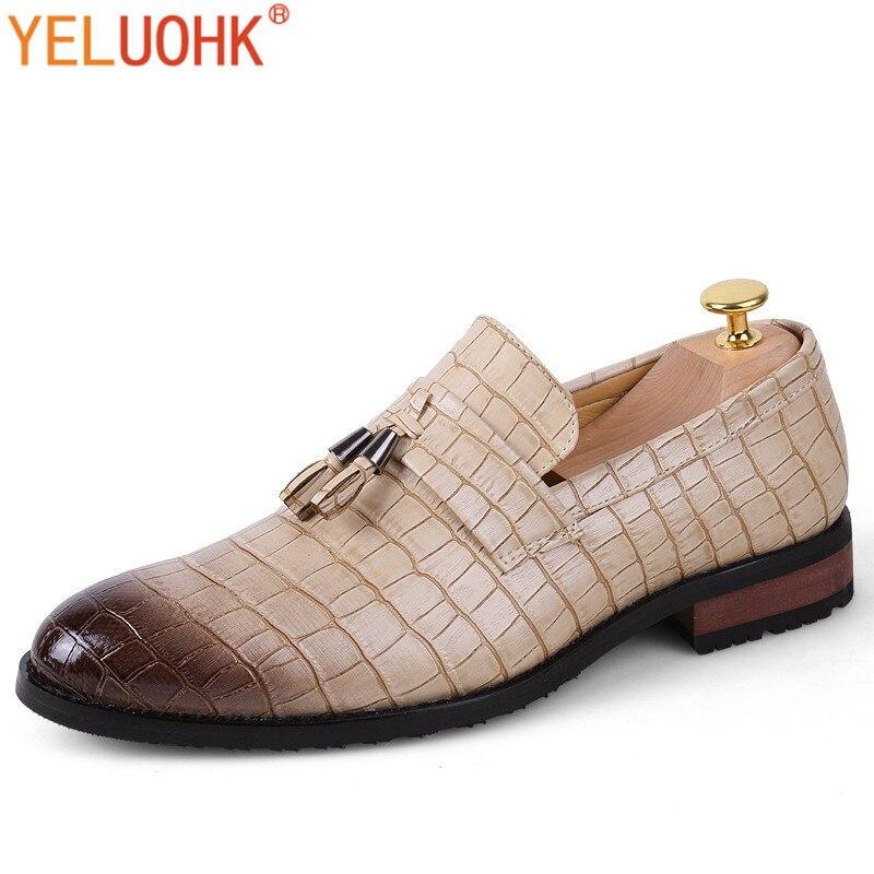 Tassel Crocodile Leather Men Dress Shoes Pointed Toe Men Oxfords Shoes For men Shoes Brown Black Beige