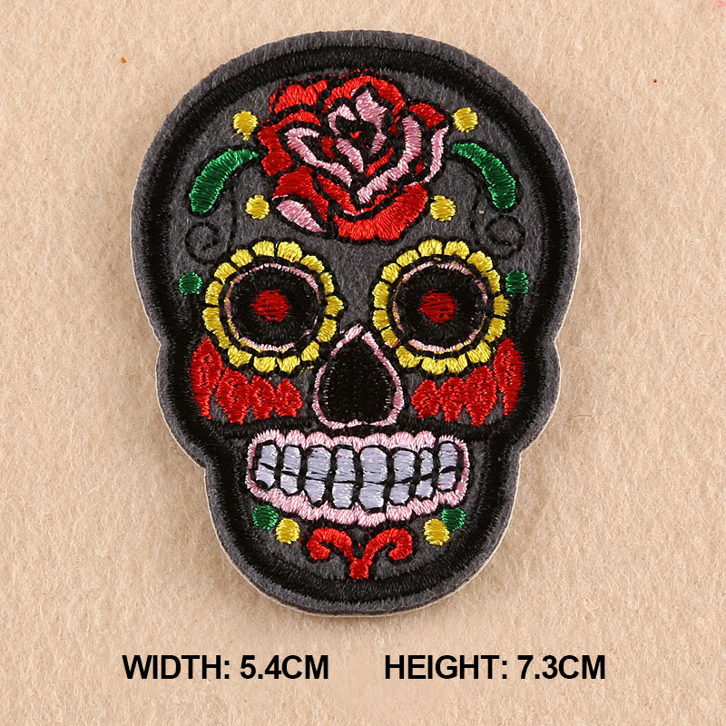 1 PC 2017 Flower Skull Skeleton Embroidery Iron On Patches For Clothing Appliques Sew On Motif Badge DIY Clothing Bag 11 Colors in Patches from Home Garden