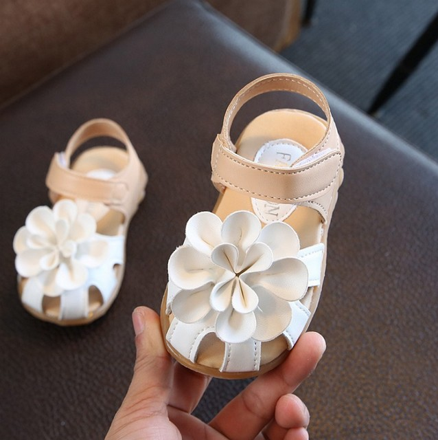 2015 Children Shoes Summer PU Leather Flower Children Sandals Sneakers First Walkers  Girls  Antiskid Shoes size21-33