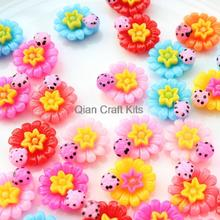 200pcs mixed colors daffodil flower with ladybugs on Cabochon Beads Resin Flower 20mm No Holes flatback decoden rebecca pugh down on daffodil lane