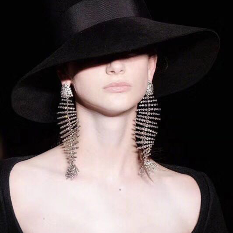 Ciliy 2018 New Hot Design Luxury Fashion Fishbone Earrings Bent Personality Exaggeration Alloy Rhinestone Abstract F54254447