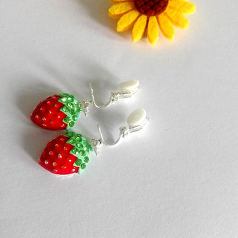 Honig Gnade Juni Korea Stil Erdbeere Kirsche Form Clip Auf Ohrringe Keine Durchbohrten Für Frauen Mode Emaille Ohrstecker Gutes Geschenk Ohrringe