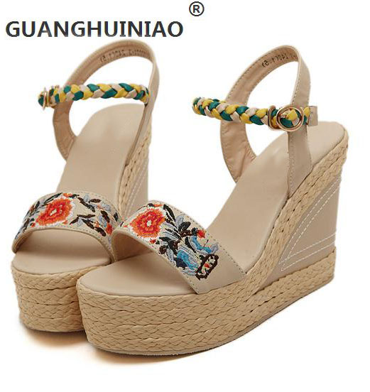 ФОТО Summer new national wind shoes embroidered waterproof high-heeled wedge leather platform sandals straw