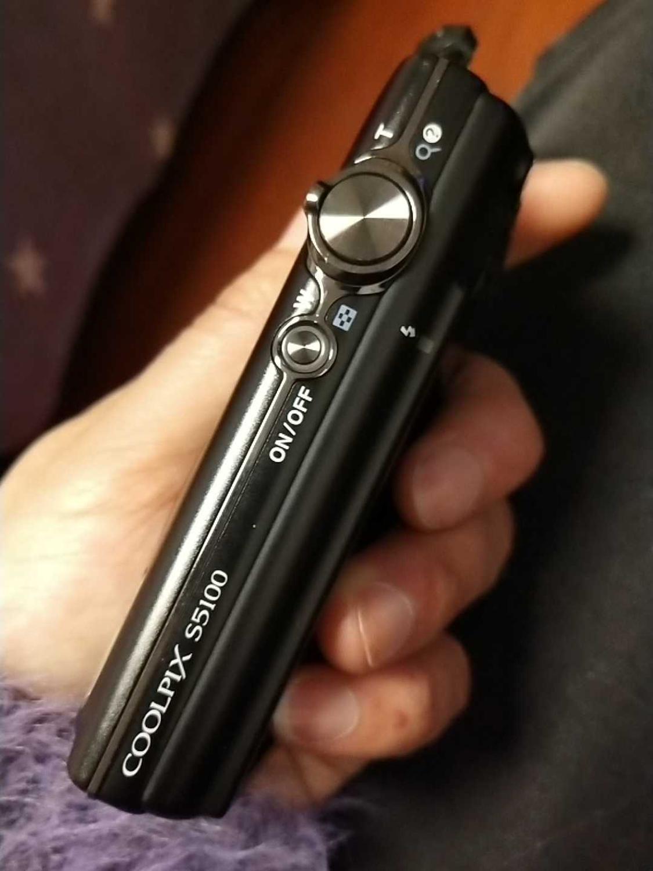 Используется камера NIKON COOLPIX S5100 HD (720 p) оптическая VR стабилизатор изображения 5x широкоугольный