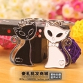 Gift personality black and white cat couple key chain keychain yiwu logo
