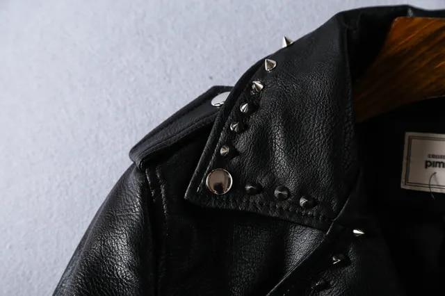 New Fashion Spring Printed Letters Pu Leather Jacket Women Rivet Beading Locomotive Short Basic Streetwear Faux Jacket FY24