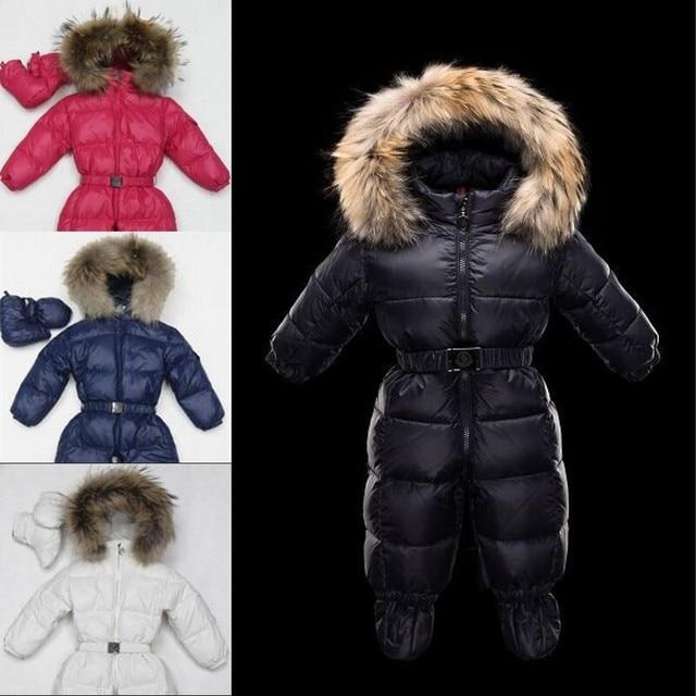 Зимой ребенка snowsuit новорожденный белая утка вниз 100% настоящее енота с капюшоном детской ребенка девушки парни боди пуховик
