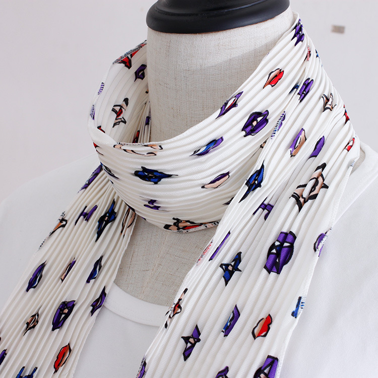 Korean version of the crimping small scarf spring and summer new suit with a small strip of scarves