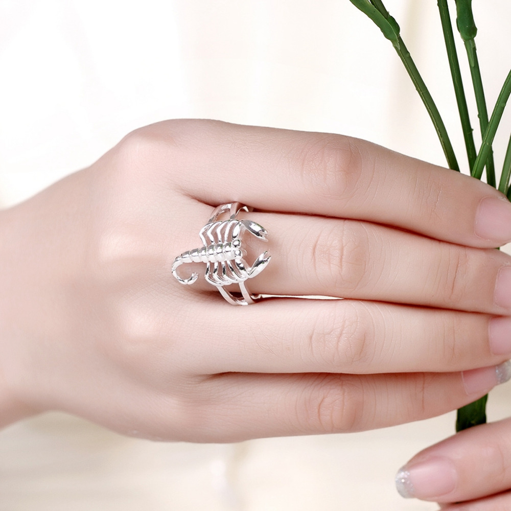 R739 Silver Fashion wedding Jewelry lovely scorpion circlel ring for ...