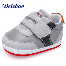 Delebao New Design High-end Odorless Leather Baby Shoes Soft Sole Rubber Toddler First Walkers (Suitable For Outdoor)