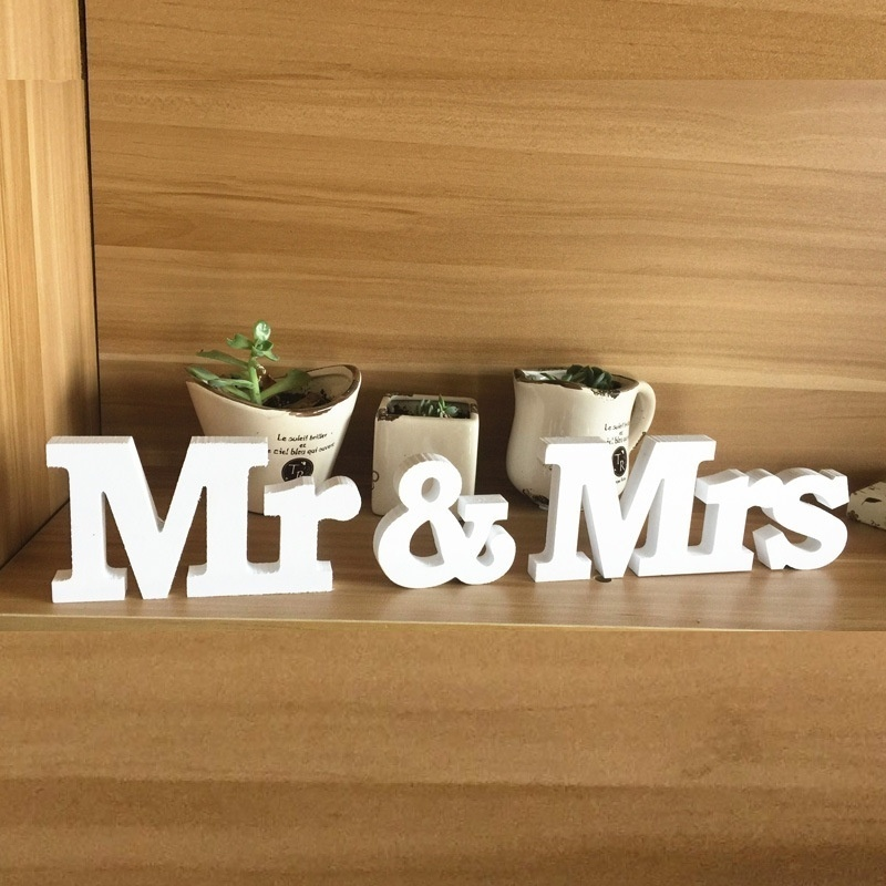 Комплект из 3 предметов высококачественные свадебные Аксессуары Mr & Mrs Mariage Декор День рождения Аксессуары белые буквы Свадебные признаки