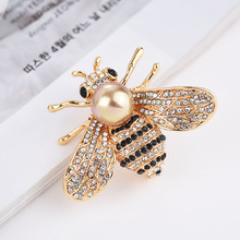 1 PC Fashion new crystal bee brooch female accessories hot freshwater pearl hornet pin needle superior badges for clothes