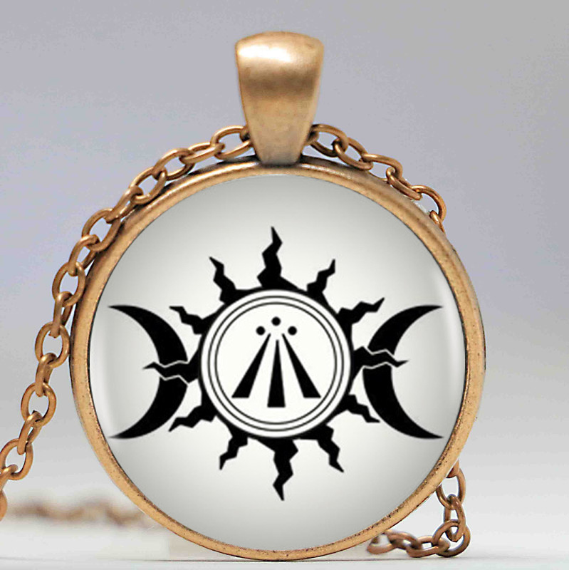 Awen celtic druidic symbol pendant triple moon and sun photo awen celtic druidic symbol pendant triple moon and sun photo necklace round shape vintage silver necklace women bijoux in pendant necklaces from jewelry mozeypictures Gallery