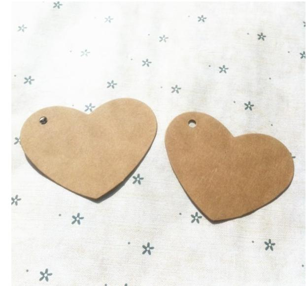 6.5 * 5 cm Kraft paper heart-shaped mark hand draw cardboard label Clothing Garment Tags Words blank paper id card 500 pcs/lot