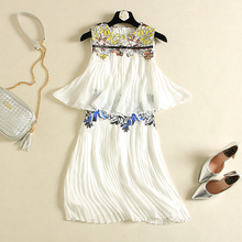 clearance sale The new Europe and the United States women's spring sleeveless plait falbala embroidered pressure swing dress