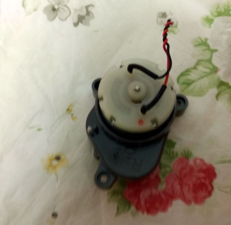 1 Pcs Ilife A4 Right Side Brush Motor For Ilife A4 X620 A6 T4 X430 X432