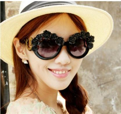 Baroque Sunglasses  aliexpress com new luxury queen baroque sunglasses women