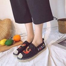 Classic Women Skateboarding Shoes Cartoon Paste Cloth Off Navy Fisherman Women Sneakers Camping Platform Shoes Zapatillas Mujer