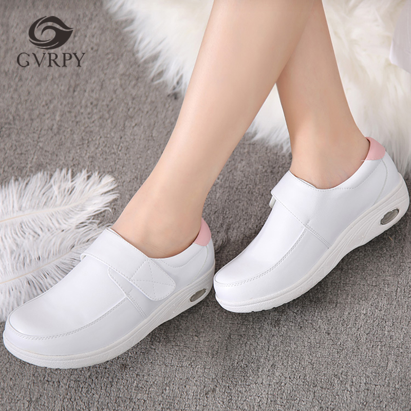 2019 winter new doctor nurse shoes women's thick warm warm velvet laboratory hospital surgical non-slip medical shoes image