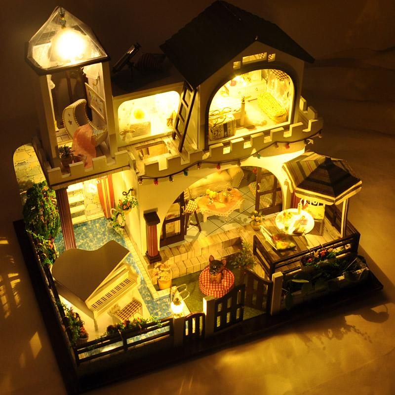 Large size Diy wooden Doll House Holiday villa Miniature  Building Model  Dollhouse with Furniture light music  birthday gift