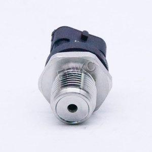 Image 2 - Yeni yakıt dağıtım borusu basınç sensörü 0281002864 VOLVO 3843100 30677300 20792328 21407309 20973777 için