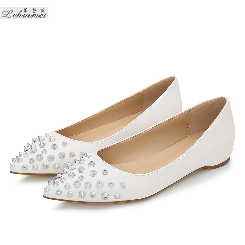 2018 Fashion rivets women flats shoes Sexy Pointed toe lady spring low heels shoes lady party casual suede wedding flats White beyarne rivets decoration brand shoes flats women spring autumn fashion womens flats boat shoes sexy ladies plus size 11