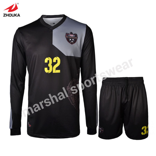 2be1f03751b70 Negro de manga larga de uniforme de fútbol de calidad superior al por mayor  uniforme de
