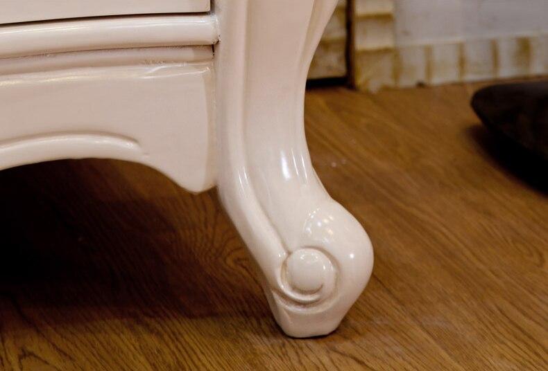 detaill-10 the leg