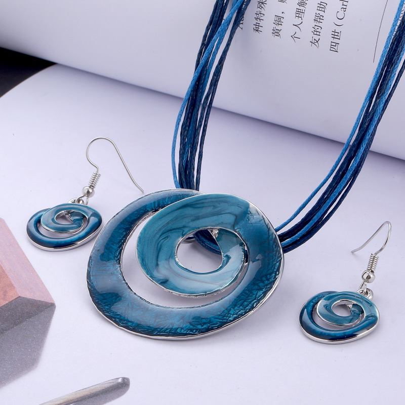 Fashion Jewelry Set Multilayer Leather Chain Gem Silver Geometric Pendant Necklaces Drop Earrings Jewelry Set Factory Price