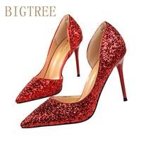أزياء النساء أحذية النساء مضخات رقيقة عالية هيي bigtree جوفاء أصابع الربيع الحلو عالية الكعب الترتر أحذية الزفاف الأحمر الأسود