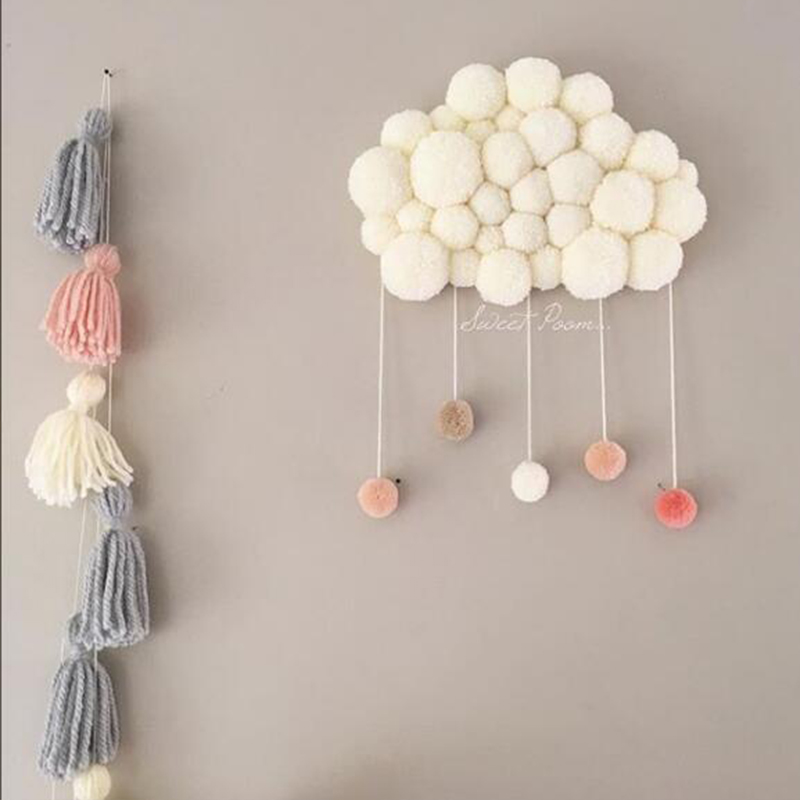 Baby Room Decoration Short Coral Velvet Hairball Newborn Baby In The Crib Infant Room Decor Photography Props Hanging Wall