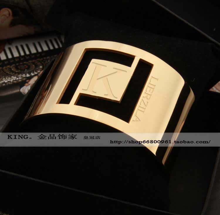 free shipping Lierzika 316L stainless steel wide model hollow L letter bangle