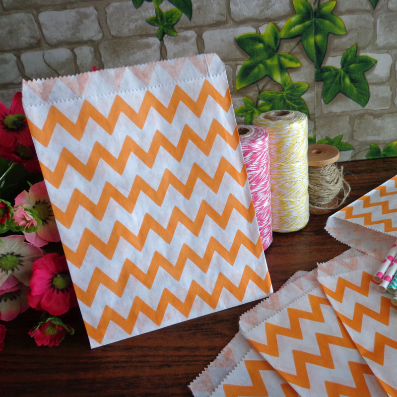 Icraft 25 pcs Zigzag Chevron Paper Bags Orange 5X7 inch Wedding Birthday Party Favor Candy Bag Food Packaging
