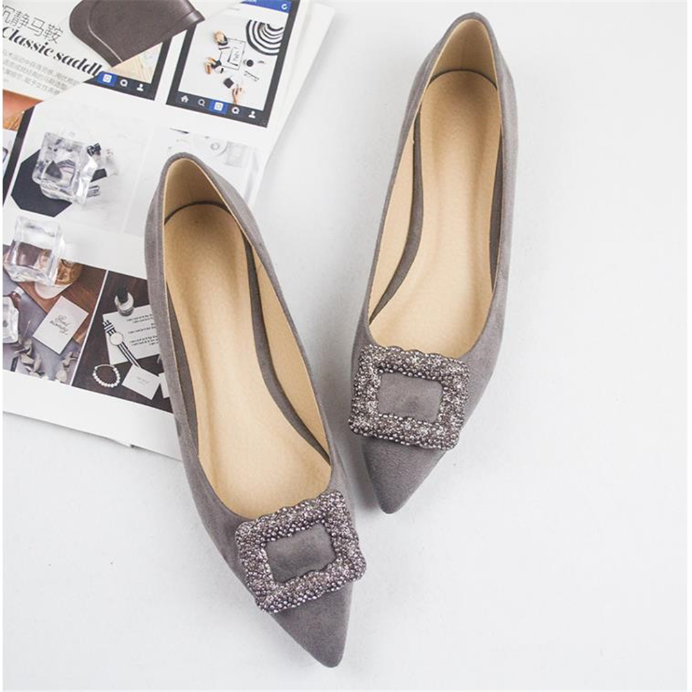 2018 Pointed Shoes, Diamond Shoes Buckles Black Red Autumn Shoes 40 Flat And 41 Single Shoes 42 Yards 43 Women's Shoes.