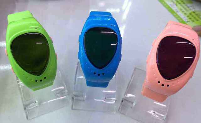 Green A6 Kids Children GPS Tracker Watch Bluetooth GSM Smart Watch Phone With SOS Emergency Call Anti Lost Alarm Live Tracking