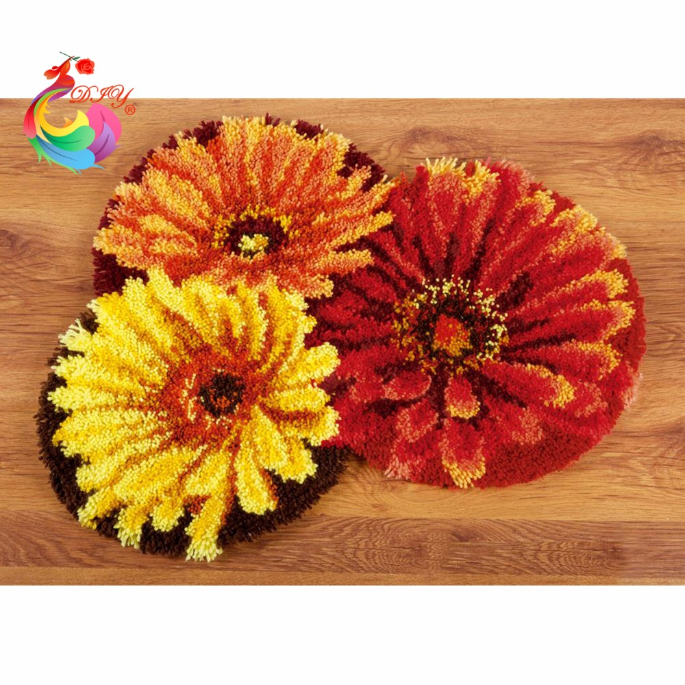 Handmade Carpet Flowers Hook Rug Kit DIY Unfinished Crocheting Yarn Mat  Latch Hook Rug Kit Pillows