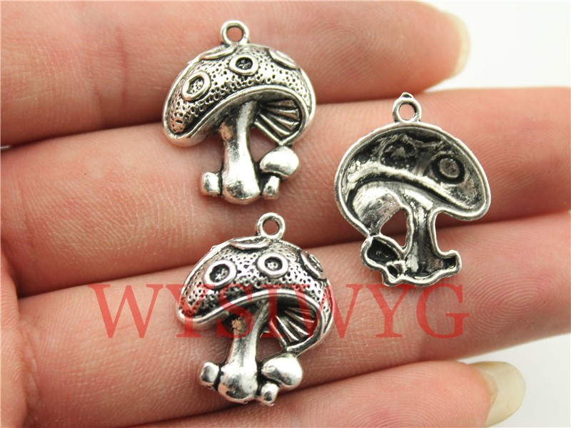 WYSIWYG 4pcs 22*18mm Antique Silver Mushroom Charms