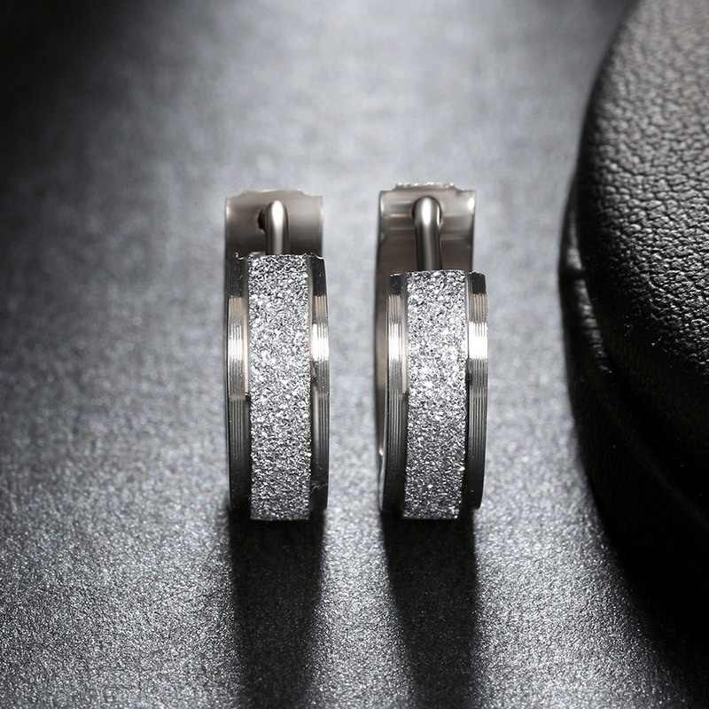 GS クリアジルコンつや消し表面 316L 鋼スタッドピアス女性男性スクリューバックイヤリング pendientes mujer モーダ r5